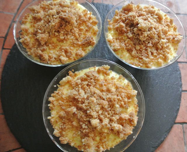 mousse ananas mangue crumble coco