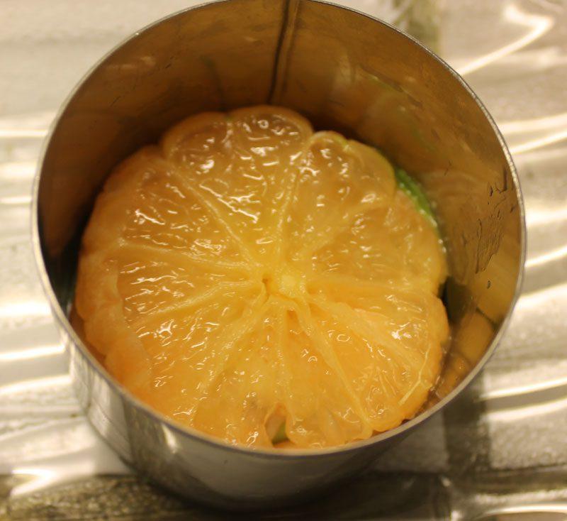 Mille feuilles crevettes oranges pamplemousses avocats