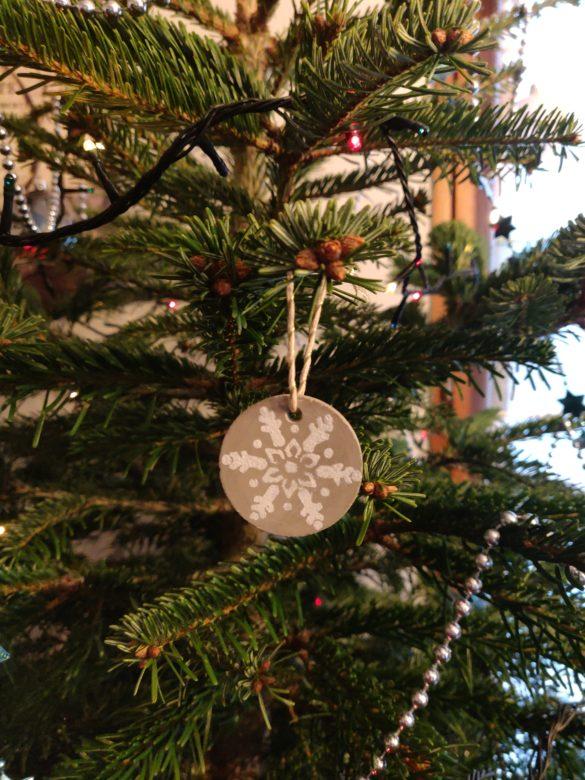 Bijoux de portes ou décoration de Noël en béton créatif